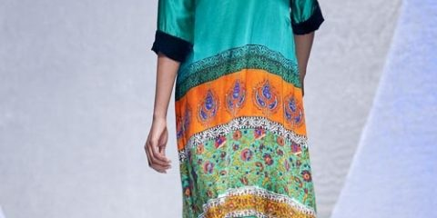 dcc2ea955af261a3303516e215eb0d65-pakistan-fashion-week-indian-dresses.jpg