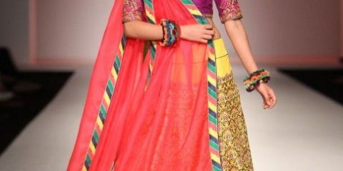 53ff04f9a37fd14e8cb18304fb7b1ac7-indian-attire-indian-wear.jpg